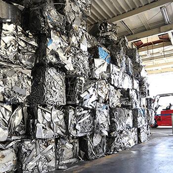 金属資源リサイクル現場